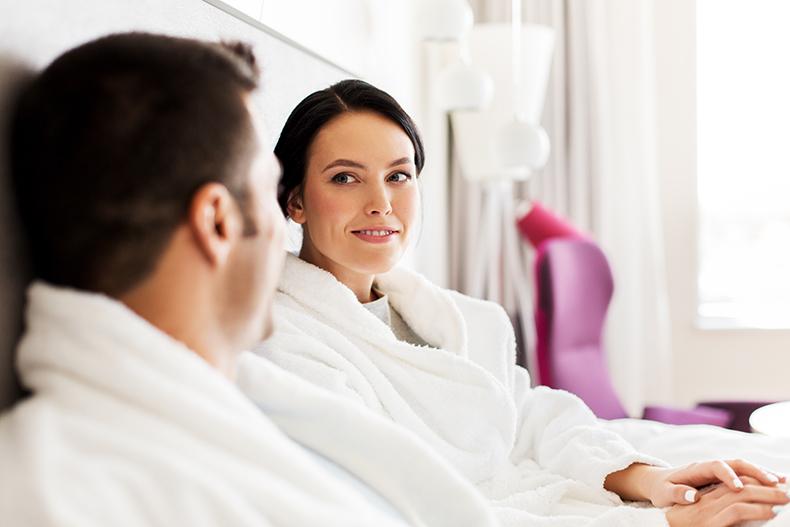 Mature Dating app Review – Best way to meet older singles